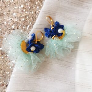 earrings with blue crochet flowers and mint color tulle tassels