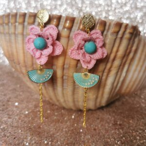earrings with pink crochet flowers and hand fans