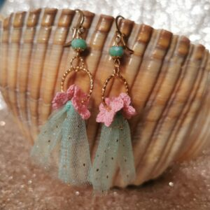 earrings with green tulle and pink crochet flowers