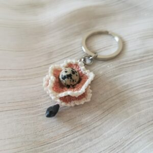keychain with beige crochet flower